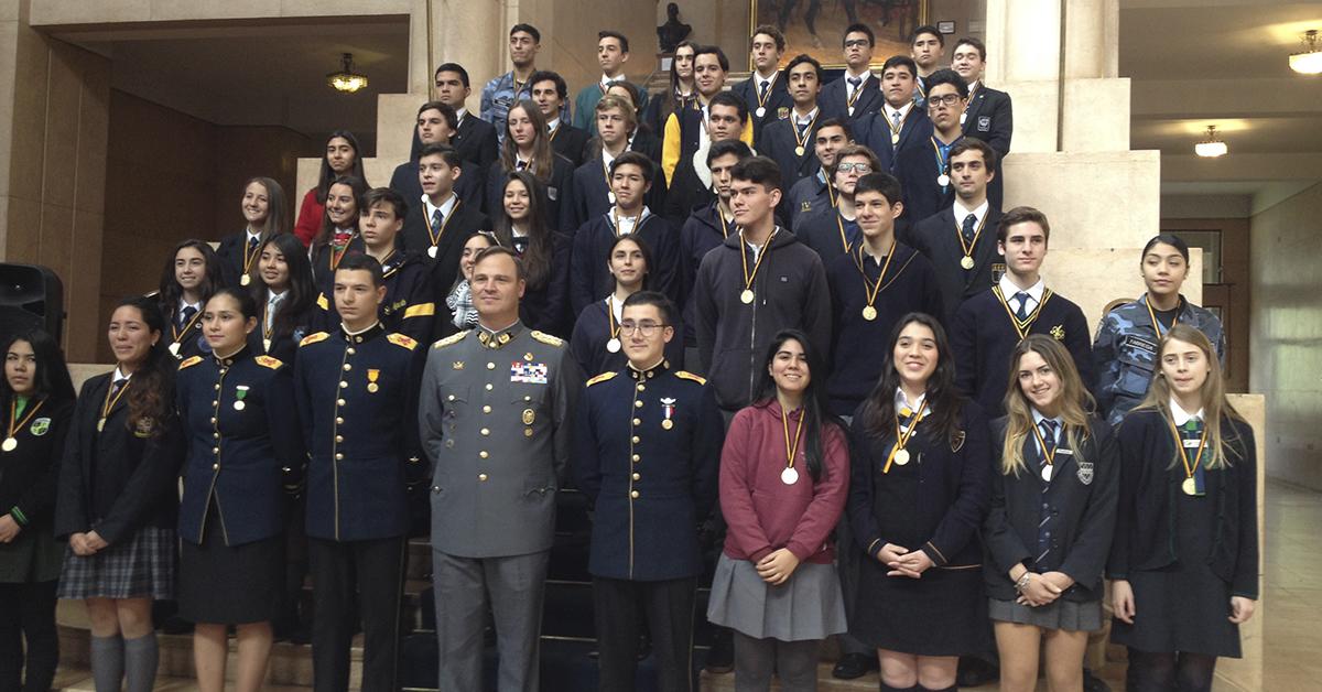 """Estudiante De 4° Medio Representa A Nuestro Colegio En La """"Ceremonia De Alpatacal"""" En Escuela Militar"""