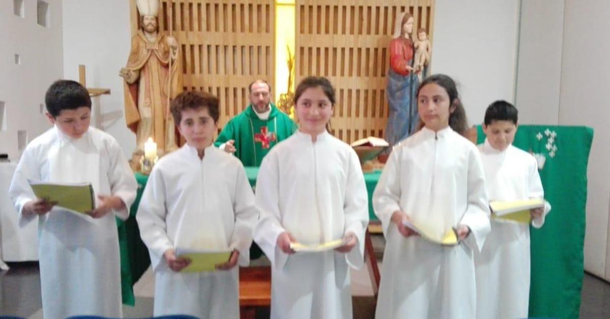Eucaristía De Acólitos De Enseñanza Básica
